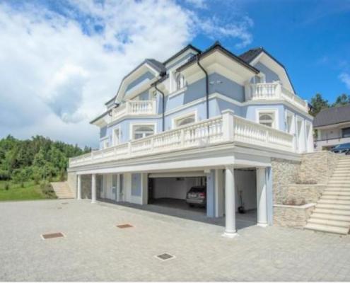 Luxury villa in Logatec