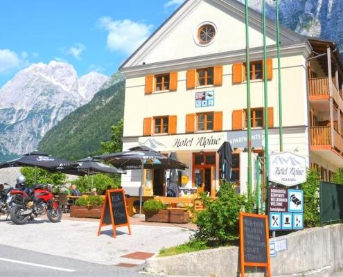 Отель 3* в альпийской части Словении с видом на гору Мангарт