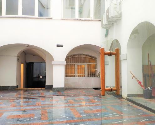 Prostor za storitve v strogem centru Ljubljani na Mestnem Trgu