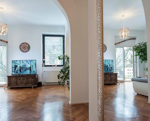 Уникальная и стильная 4х комнатная квартира в центре Любляны