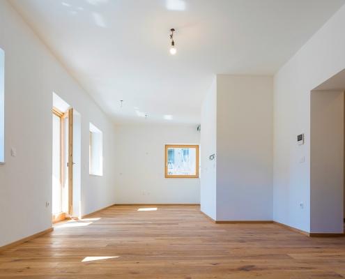 New bright 3-room apartment in Ljubljana, Shishka district